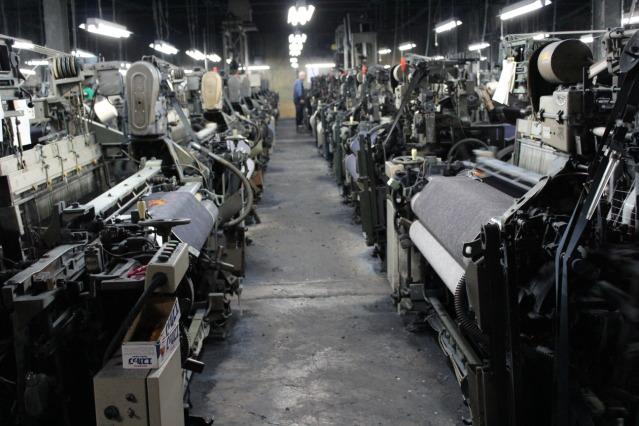 デニム生地の工場