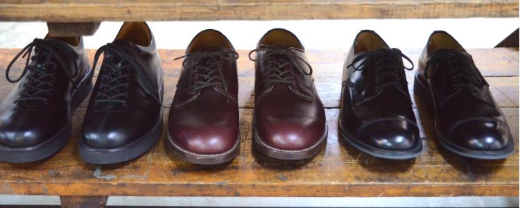 適度に隙間を確保した革靴