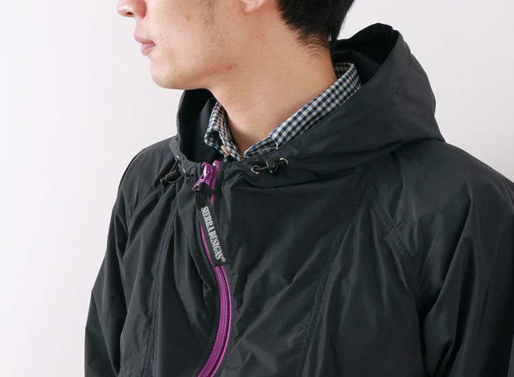 SIERRA DESIGNS マイクロ ライト ジャケットのモデル着用の首元画像